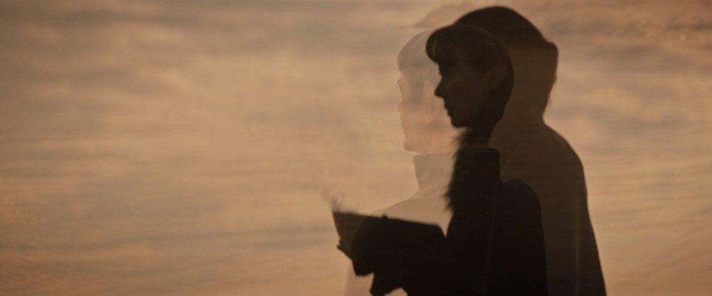 STDP 038 - Star Trek Discovery S2E13 (02:00) - Sarek & Amanda on the beach.