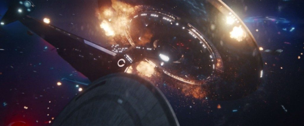 U.S.S. Enterprise trying to protect the U.S.S. Discovery. - STDP 040 - Star Trek Discovery S2E14 (13:17)