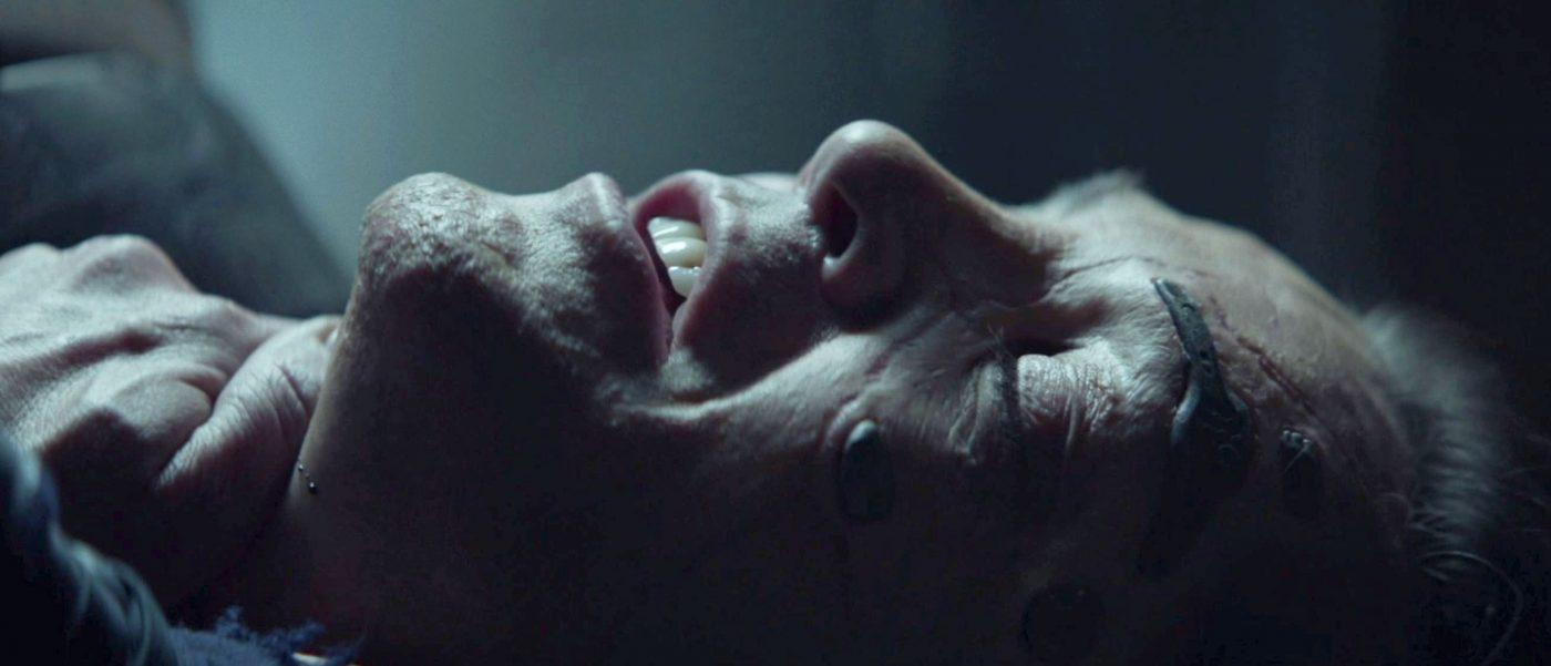 Hugh dying. - STPC 011 - Star Trek: Picard - S1E7 (39:30)
