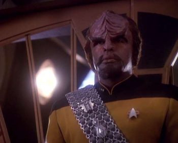 Worf arrives at DS9